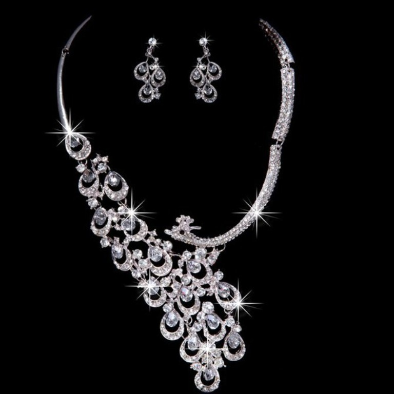 very_unique_alloy_with_czech_rhinestones_wedding_necklaces_earrings_set1 How to Buy Jewelry for Your Wife
