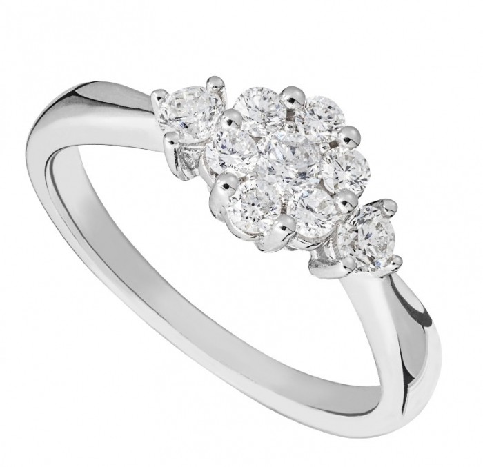 0413015 Cluster Engagement Rings for Those who Are on a Budget