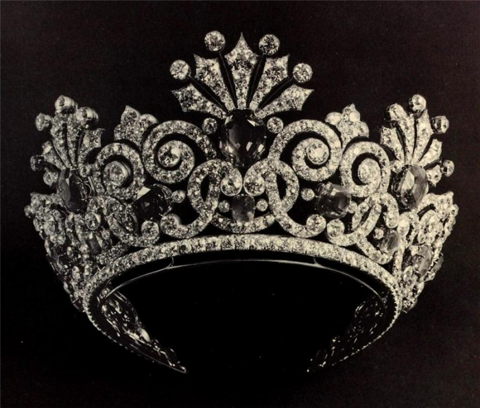 0_bc329_158d459d_XL.jpeg Be Like a Queen with Your Crown [79 Newest Trends...]