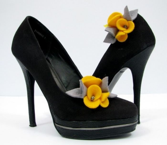 1348838581-320 27 Ideas Bring a New Life to Your Shoes by Adding Shoe Clips & Charms