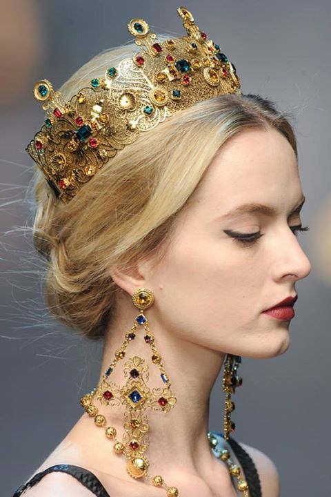 1545895_765557473471842_1776196589_n Be Like a Queen with Your Crown [79 Newest Trends...]