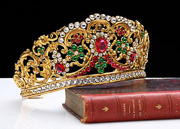 16015 Be Like a Queen with Your Crown [79 Newest Trends...]