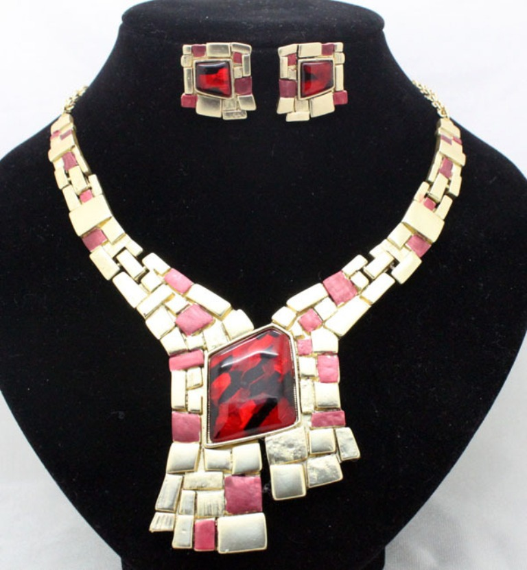 2014-new-design-red-gold-brand-fancy-bridal-jewelry-sets-wedding-party-unique-necklace-and-earring How to Tell Real Jewelry from Fake
