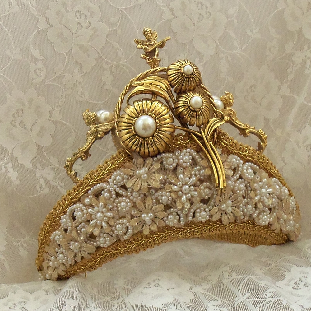 45545445 Be Like a Queen with Your Crown [79 Newest Trends...]