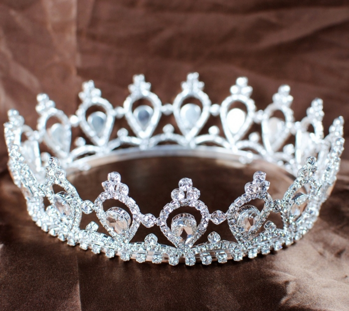 556464 Be Like a Queen with Your Crown [79 Newest Trends...]