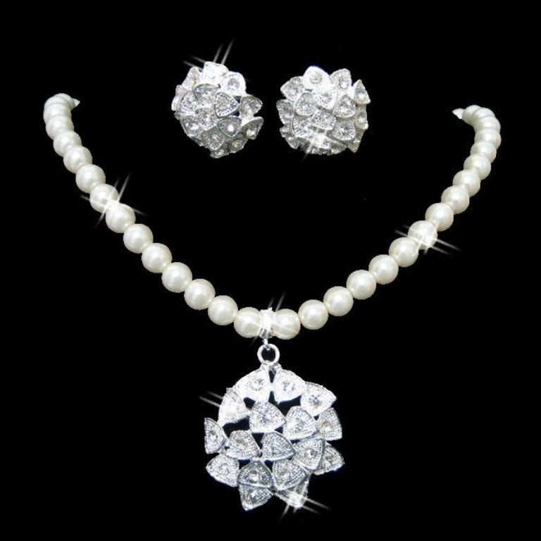 71 How to Choose Bridal Jewelry for Enhancing Your Beauty