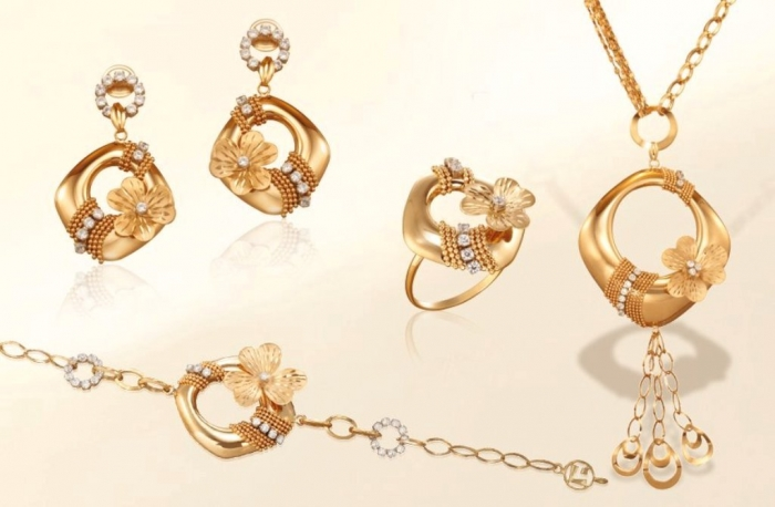 73875_2088522877953635_1630917548_n White & Yellow Gold, Which One Is the Best?