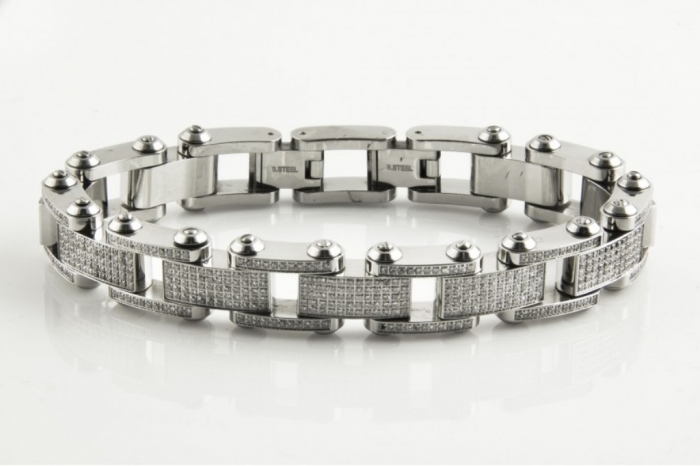 804794-2-392ct-Diamond-Arctica-Bracelet-850inch-Stainless-Steel-Treasures-Jewelry-840x560 How to Clean Your Stainless Steel Jewelry