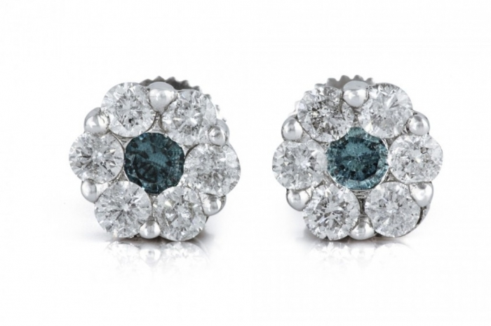 807893-TJ57E0913-1-100CT-1-14K-WHITE-GOLD-PAVE-SETTING-WHITE-BLUE-DIAMOND-FLOWER-EARRING-TREASURES-JEWELRY-MENS-LADIES-EARRING-840x560 White & Yellow Gold, Which One Is the Best?