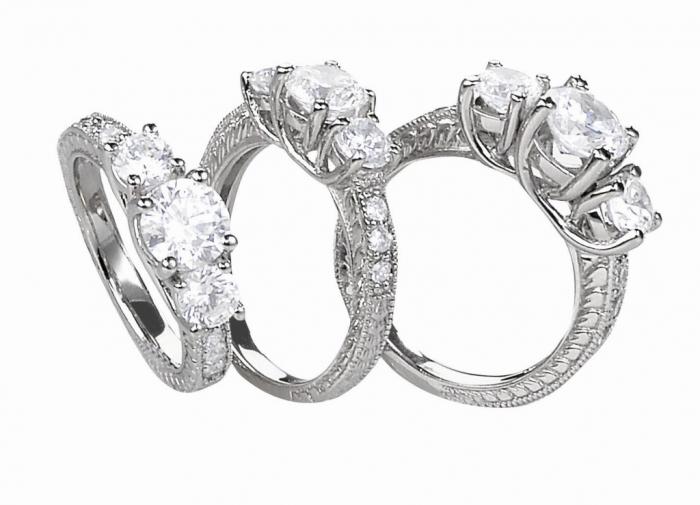 82820_DiamondPlatinumRing How to Take Care of Your Diamond Jewelry