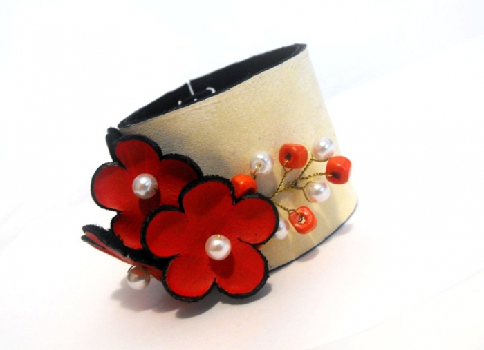 9_1 Top 25 Breathtaking & Stylish Leather Jewelry Pieces