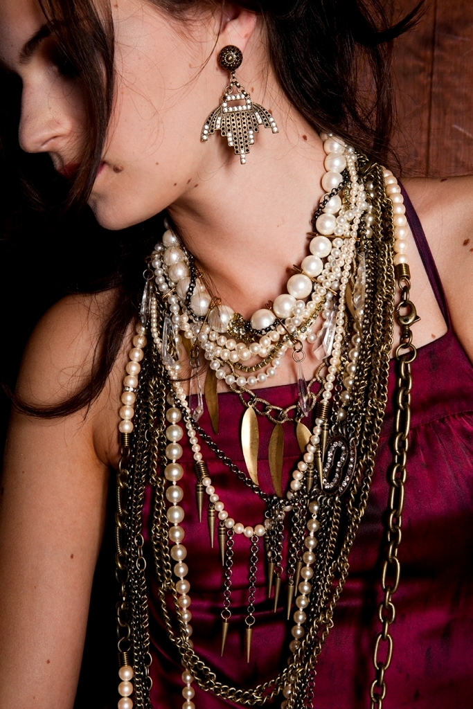 Angel-Court_110805_0950 Look Fashionable by Layering Your Jewelry