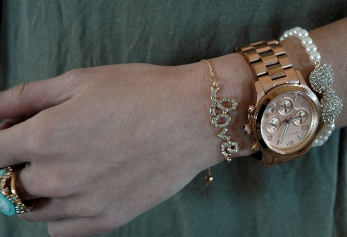 Arm_2 Look Fashionable by Layering Your Jewelry