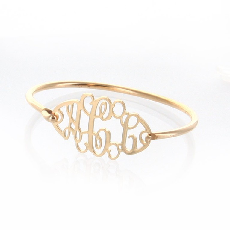 B452-7.5_1024x1024 Express Your Love by Presenting Monogram Jewelry