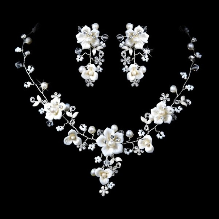 Beautiful-Silver-Crystal-Porcelain-Pearl-Bridal-Jewelry-Set How to Choose Bridal Jewelry for Enhancing Your Beauty