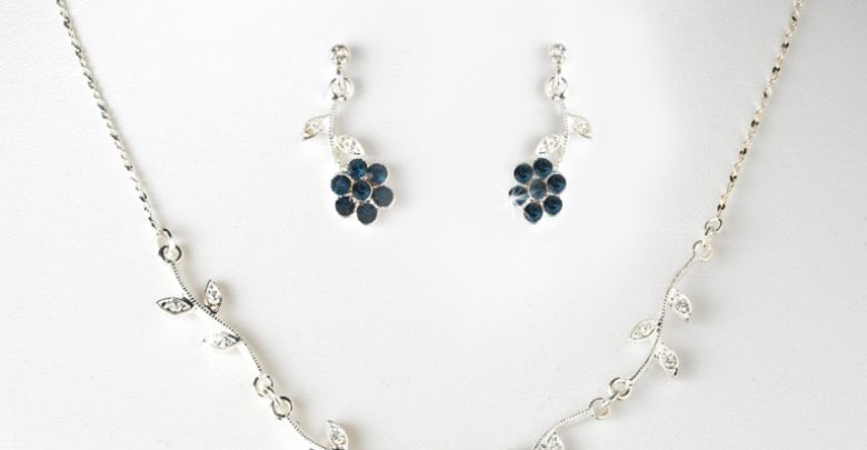 Photo of How to Choose the Right Wedding Jewelry for Your Bridesmaids