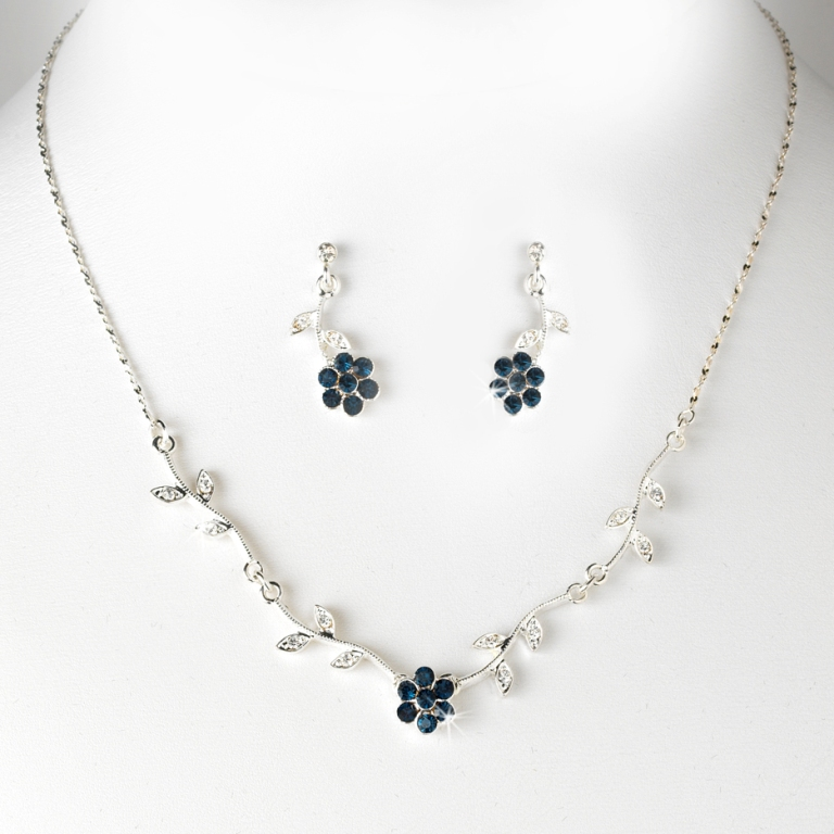 Bridesmaid-Wedding-Jewelry-2 How to Choose the Right Wedding Jewelry for Your Bridesmaids