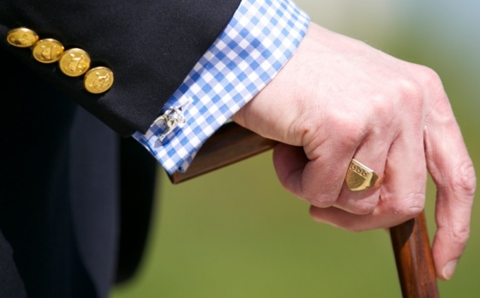 Bulldog-Cufflink Cufflinks: The Most Favorite Men Jewelry