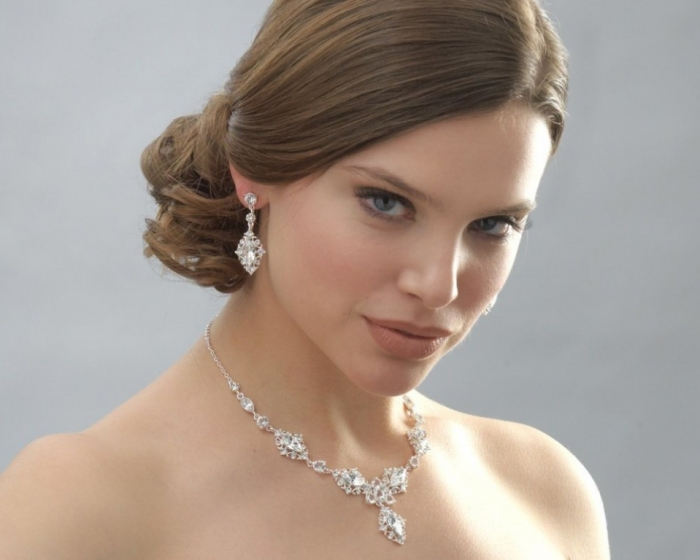 Crystal-Bridal-Jewelry-For-Wedding How to Choose Bridal Jewelry for Enhancing Your Beauty