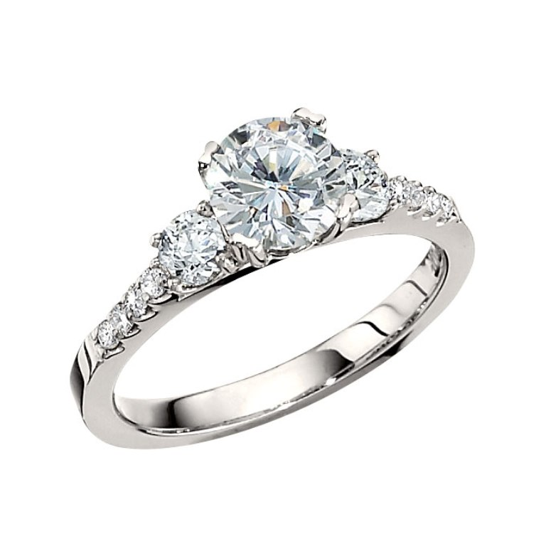 Engagement-Rings-For-Women Easy Tricks to Make Your Diamond Look Larger