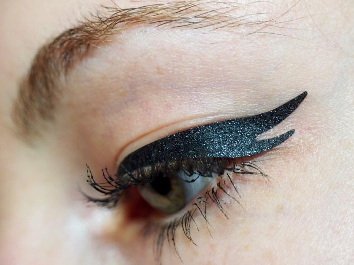 Eyeliner-Tattoo-5 Best 12 Temporary Makeup Tattoo Designs