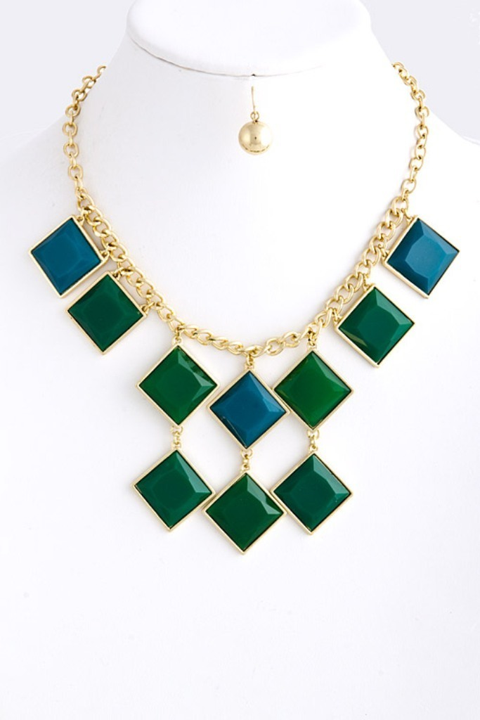 Fashion_Jewelry_Necklace How to Clean Green Gunk from Your Costume Jewelry