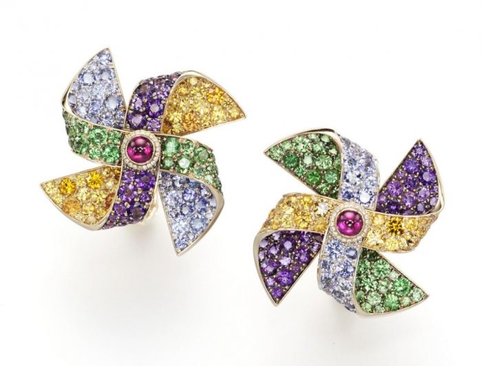Girouettes-earrings Tsavorite as a Strong Competitor to Emerald