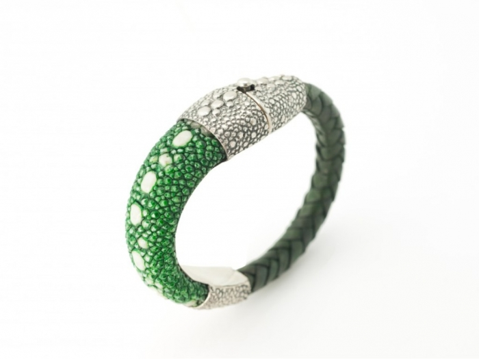 Guerin_Stingray_Shagreen_Bracelet_Sterling_Silver_Green_Men_Women-960x721 Top 25 Breathtaking & Stylish Leather Jewelry Pieces