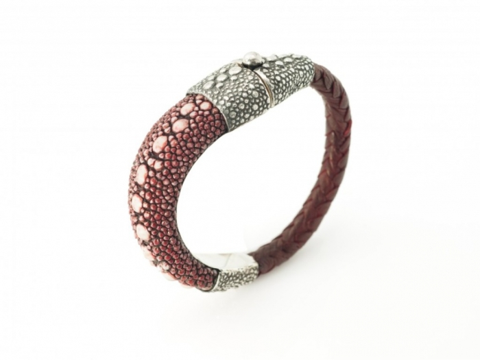 Guerin_Stingray_Shagreen_Bracelet_Sterling_Silver_Red_Men_Women-960x721 Top 25 Breathtaking & Stylish Leather Jewelry Pieces