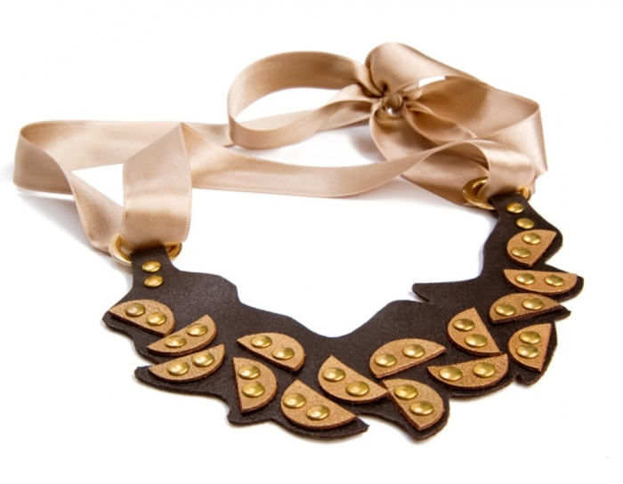 Jewelry-Necklace-Choker-leather-bib-ayelet-shachar-gold-leather-wedding-foliage-leaves-leather-necklace-brass-black-gold-leather-ACCESSORIES-GOLD-LEATER-CRAFT-31 Top 25 Breathtaking & Stylish Leather Jewelry Pieces