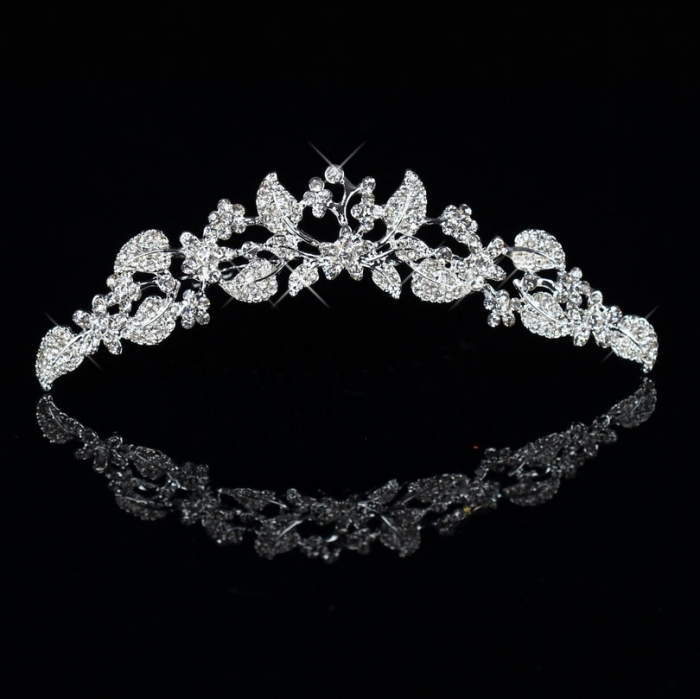 Korean-short-hair-font-b-bride-b-font-headdress-Rhinestone-font-b-Crown-b-font-Wedding Be Like a Queen with Your Crown [79 Newest Trends...]