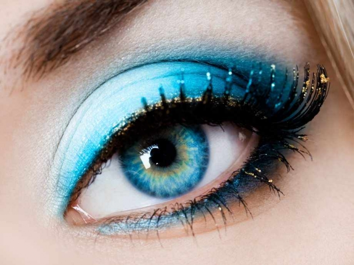 Make-up-Tip-to-Beautify-Blue-Eyes How to Wear Eye Makeup in six Simple Tips