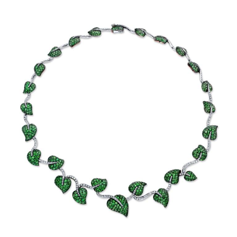 Martin-Katz-Tsavorite-and-Diamond-Necklace Tsavorite as a Strong Competitor to Emerald