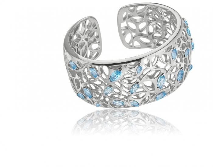 Medallion-Cuff Discover the Elegance & Magnificence of Italian Jewelry