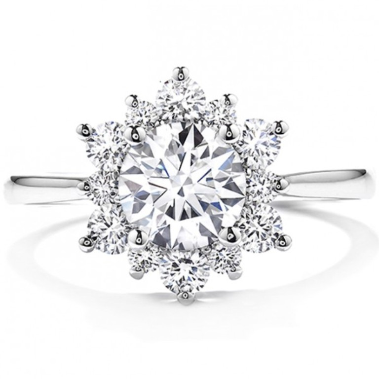 Modern-Engagement-Rings-Delight-Lady-Di-Diamond-Engagement-Ring-600x600 Easy Tricks to Make Your Diamond Look Larger