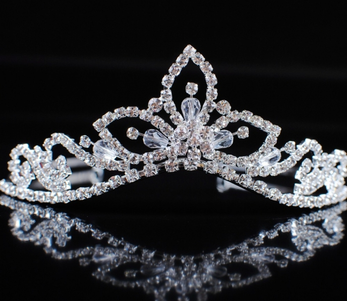 Sexy-Silver-Plated-Crystal-Wedding-Bridal-font-b-Crowns-b-font-font-b-and-b-font Be Like a Queen with Your Crown [79 Newest Trends...]