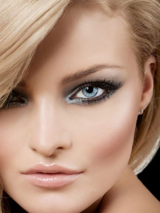 Smokey-Eye-Look-for-Blue-Eyes How to Wear Eye Makeup in six Simple Tips