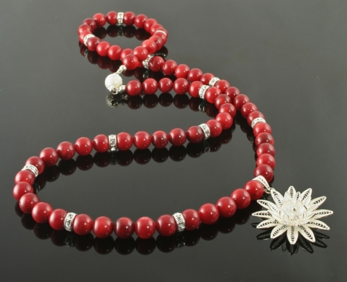 bb032_deepest_red_black Coral Jewelry as a Magnificent Type of Jewelry from the Sea