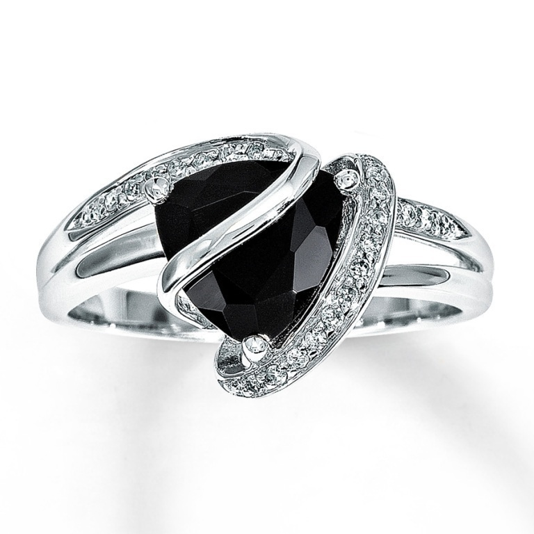 black-diamond-wedding-ring-sets-for-cheap Why Do Rings Turn My Finger Green?
