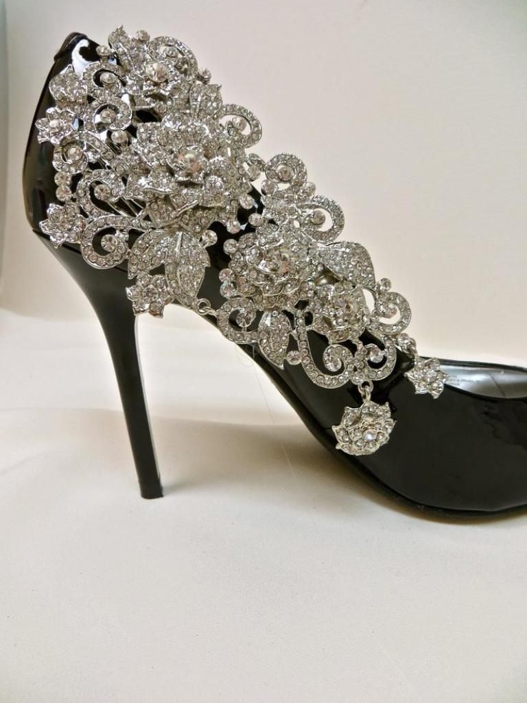 bridal-shoe-clips-crystal-rhinestone-shoe-ciip-bridal-party-set-of-2-manolo-blahnik 27 Ideas Bring a New Life to Your Shoes by Adding Shoe Clips & Charms