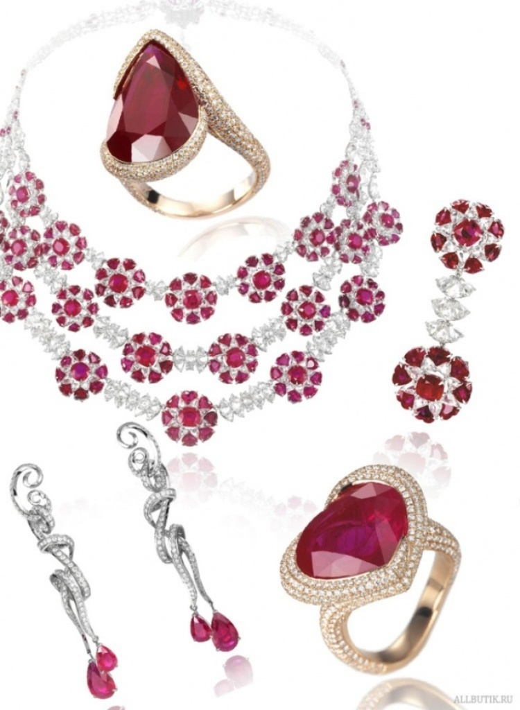 chopard-jewelry-10 Let's Discover Jewelry Secrets about Gold & Diamonds