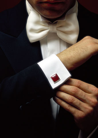 cufflink1 Cufflinks: The Most Favorite Men Jewelry