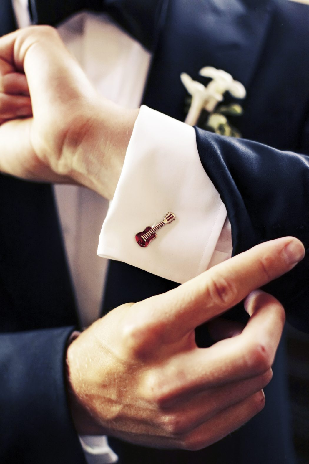 cufflinks-for-grooms-classic-weddings-evantine-design Cufflinks: The Most Favorite Men Jewelry