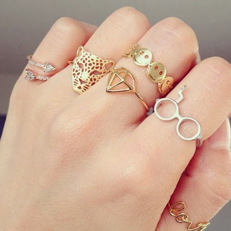 dainty1 Look Fashionable by Layering Your Jewelry