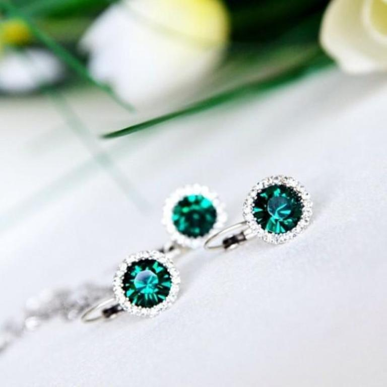 emerald-clear-crystal-rhinestone-bridal-bridesmaids-jewelry-set How to Choose the Right Wedding Jewelry for Your Bridesmaids