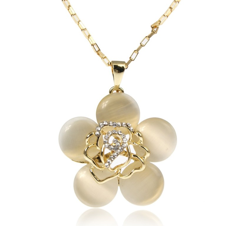 enk-00133-wt-1 How to Buy Jewelry Online without Losing Money