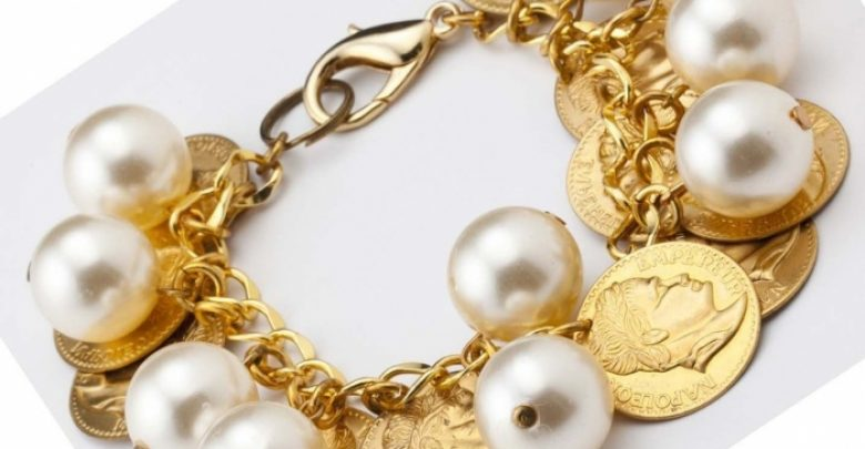 Photo of 25 Unique & Fashionable Coin Jewelry Pieces