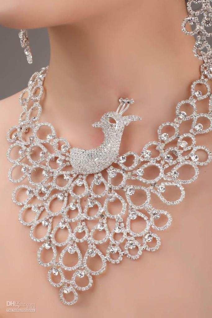 gorgeous-charming-designer-wedding-bridal How to Choose Bridal Jewelry for Enhancing Your Beauty