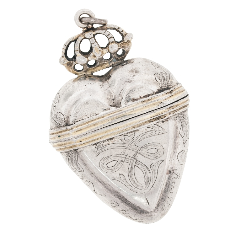heart Aromatic Jewelry for a Fashionable Look & Fresh Smell All the Time