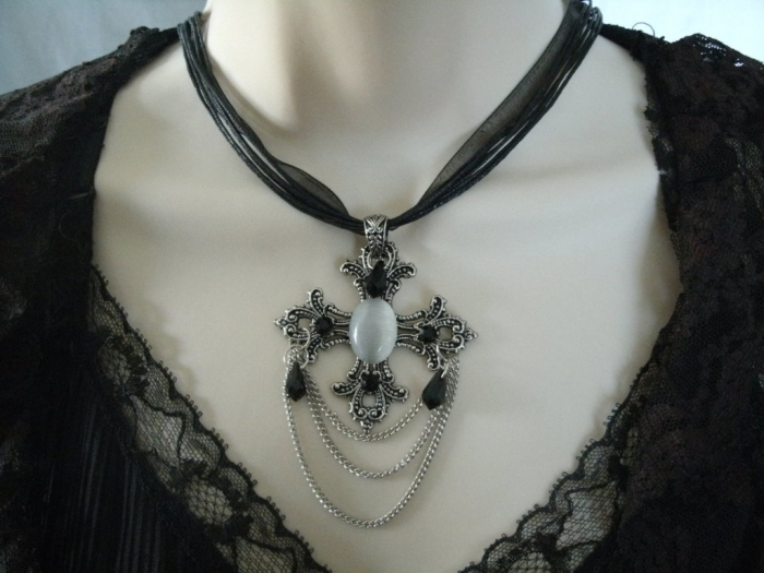 il_fullxfull.344655743 25 Victorian Jewelry Designs Reflect Wealth & Beauty